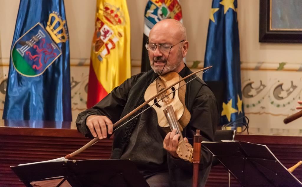 César Carazo