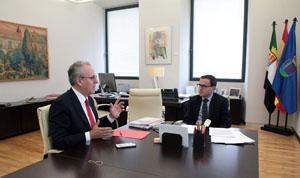 Imagen de la noticia: El presidente de la Diputación recibe al rector d ...