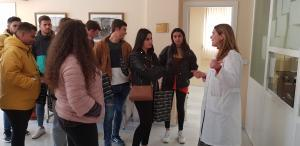 """Visita al Archivo del I.E.S """"Puente Ajuda"""" de Olivenza"""