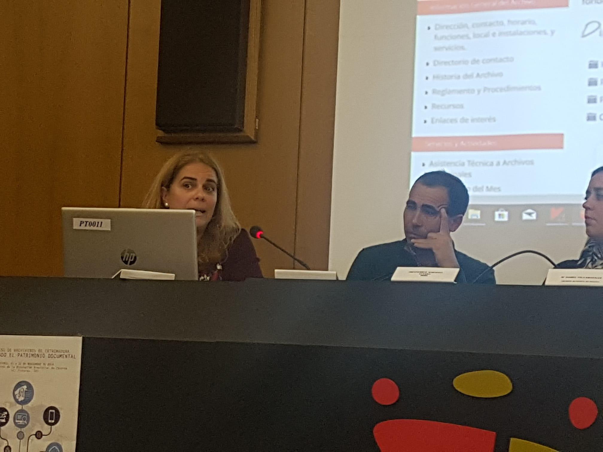 Presentación ponencia: Difusión en el Archivo de la Diputación Provincial de Badajoz