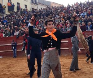 Manuel Perera, alumno de la Escuela Taurina, triunfa en el Carnaval del Toro en Ciudad Rodrigo cortando dos orejas y rabo