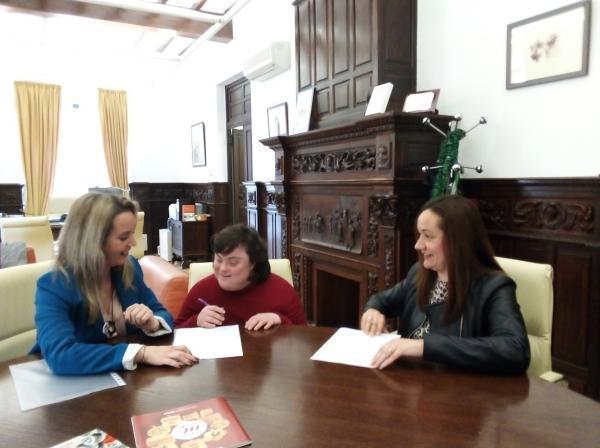 La Diputación de Badajoz firma un convenio de Prácticas Formativas con Down Badajoz