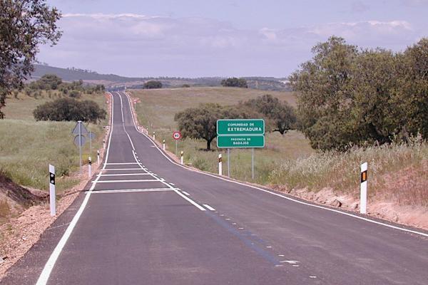 La Diputación continúa desarrollando las labores de conservación, mantenimiento y emergencia en su red  provincial de carreteras