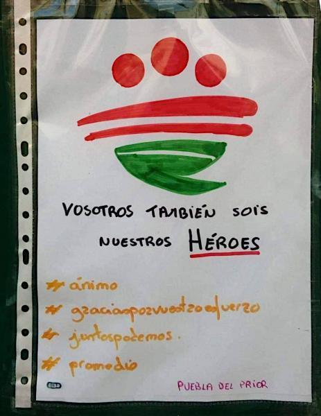 """Contenedores de residuos amanecen con mensajes de apoyo a trabajadores: """"Vosotros también sois nuestros héroes"""""""