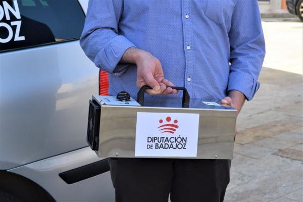 Los ayuntamientos de la provincia ya disponen de un vídeo didáctico para el correcto funcionamiento de los cañones de ozono distribuidos por la Diputación de Badajoz