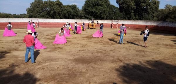 La Escuela Taurina de la Diputación de Badajoz retoma la participación en varios tentaderos y lidias a puerta cerrada