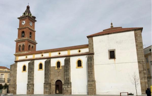 Imagen de la noticia Culmina el convenio de colaboración entre Diputación y Arzobispado, alcanzando una inversión de 400.000 euros