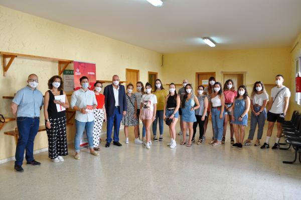 Imagen de la noticia: Inaugurada en Hornachos la acción formativa de � ...