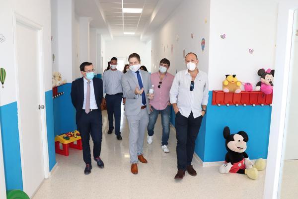 Imagen de la noticia: El presidente de la Diputación inaugura la reform ...
