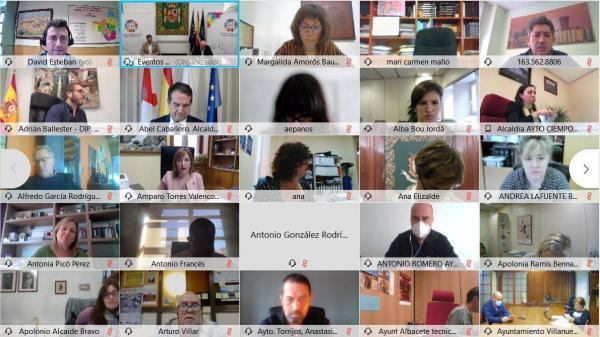 Imagen de la noticia: La Diputación de Badajoz se adhiere a la Red de E ...