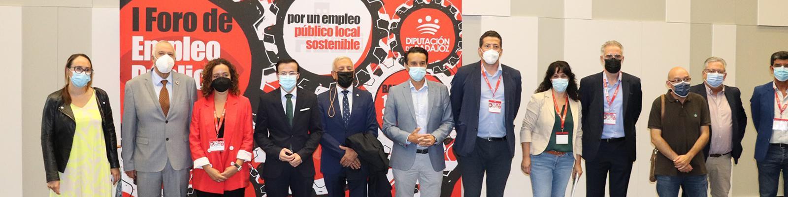 El presidente de la Diputación de Badajoz aboga por la estabilidad laboral en el sector público