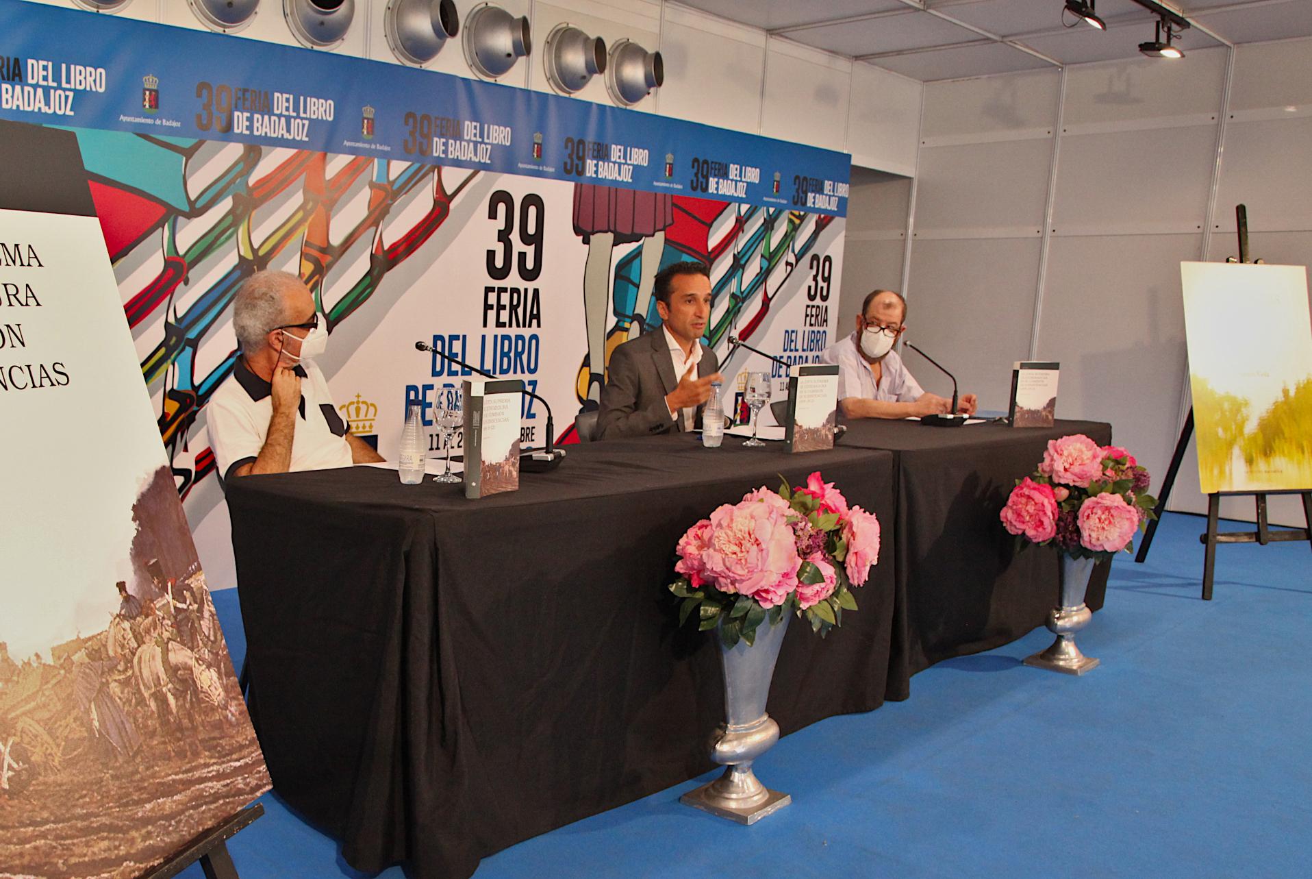 Imagen de la noticia La Diputación de Badajoz presenta en la Feria del Libro dos?>