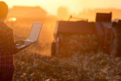Imagen de la noticia: La mujer rural, clave para la recuperación verde ...