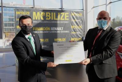 Imagen de la noticia: Renault concede al Plan Movem de la Diputación de ...