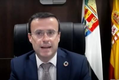 Imagen de la noticia: El presidente de la Diputación participa en la cl ...