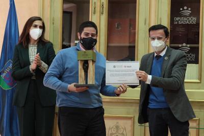 Imagen de la noticia: El presidente  de la Diputación destaca el esfuer ...