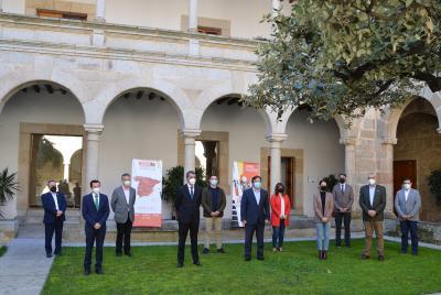 Imagen de la noticia: El presidente de la Diputación de Badajoz reconoc ...