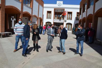 Imagen de la noticia: El presidente de la Diputación visita el nuevo ed ...