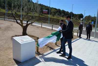 Imagen de la noticia: El presidente de la Diputación visita la nueva ro ...