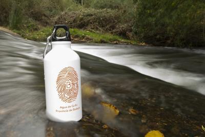 Imagen de la noticia: El consumo de agua se incrementa un 3,8% en los ho ...