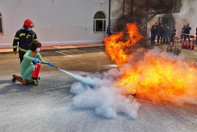 Imagen de la noticia: Empleados de la Diputación realizan un curso de c ...