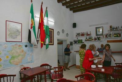 Imagen de la noticia: La Diputación de Badajoz destina 70.000 euros al  ...
