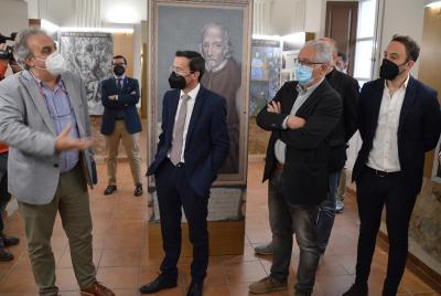 Imagen de la noticia: El presidente de la Diputación visita el nuevo ce ...