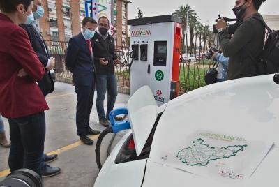 Imagen de la noticia: La red de electrolineras de la provincia estará p ...