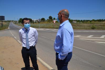 Imagen de la noticia: El presidente visita la renovada carretera provinc ...