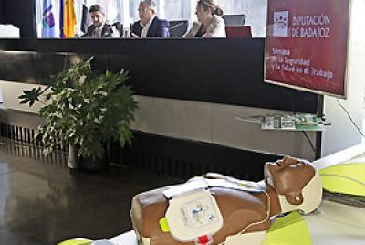 Imagen de la noticia Abierta la licitación para el mantenimiento de los desfibri?>