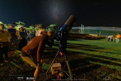 Imagen de la noticia Más de 400 personas han disfrutado del cielo nocturno graci?>